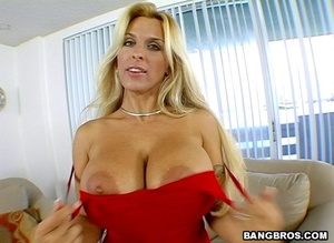 Fuck in office. A prime-time older lady. - XXX Dessert - Picture 3