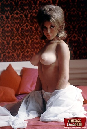 Very hairy pussy. Beautiful sixties hous - XXX Dessert - Picture 10