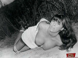 Sexy hairy pussy. Some real vintage bond - XXX Dessert - Picture 3