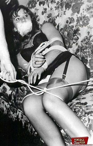 Sexy hairy pussy. Some real vintage bond - XXX Dessert - Picture 9