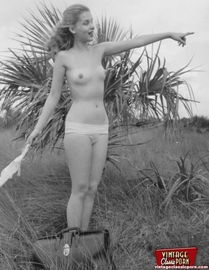 Hairy twat. Several vintage girls showin - XXX Dessert - Picture 2