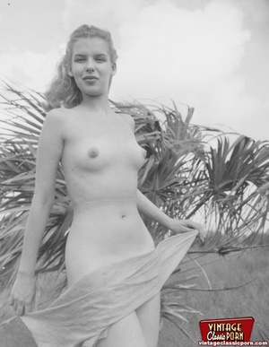 Hairy twat. Several vintage girls showin - XXX Dessert - Picture 4
