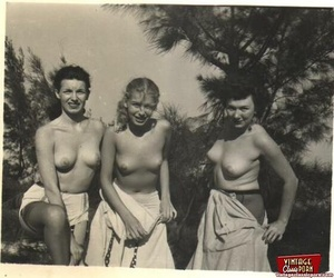 Hairy twat. Several vintage girls showin - XXX Dessert - Picture 5