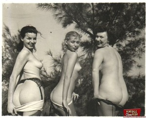 Hairy twat. Several vintage girls showin - XXX Dessert - Picture 7