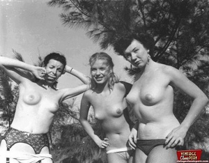 Hairy twat. Several vintage girls showin - XXX Dessert - Picture 9