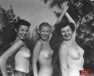 Hairy twat. Several vintage girls showin - XXX Dessert - Picture 12