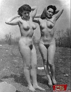 Hairy porn. Vintage fourties outdoor hot - XXX Dessert - Picture 3