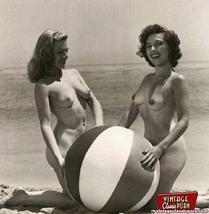 Hairy porn. Vintage fourties outdoor hot - XXX Dessert - Picture 8