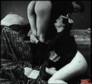 Classic porn. Real amateur thirties girl - XXX Dessert - Picture 12