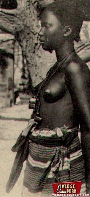 Retro xxx. Classic African ladies showin - XXX Dessert - Picture 2