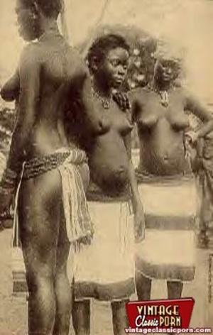 Retro xxx. Classic African ladies showin - XXX Dessert - Picture 8
