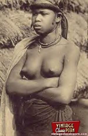 Retro xxx. Classic African ladies showin - XXX Dessert - Picture 9