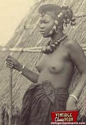 Retro xxx. Classic African ladies showin - XXX Dessert - Picture 11