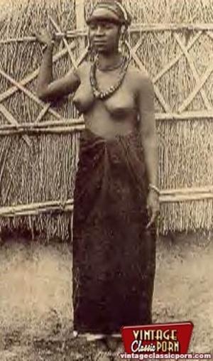 Retro xxx. Classic African ladies showin - XXX Dessert - Picture 12