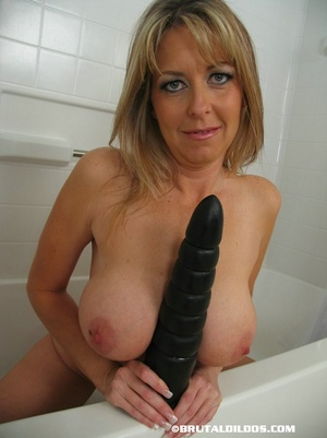 Xxx insertion. Heather Black Bubble Dild - XXX Dessert - Picture 7