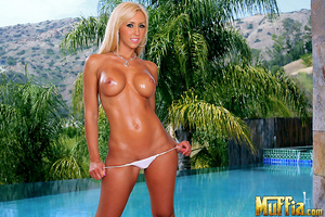 Horny dick. Watch beautiful porn star je - XXX Dessert - Picture 2