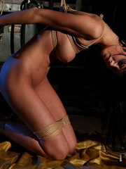 Femdom porn. Lory can also be a dominatable - Unique Bondage - Pic 1