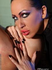 Bondage sex. Watch Mandy Bright as she - Unique Bondage - Pic 10