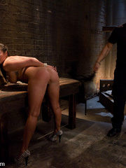 Bdsm girls. Asian beauty London Keyes - Unique Bondage - Pic 2