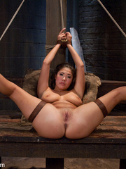 Bdsm girls. Asian beauty London Keyes - Unique Bondage - Pic 10