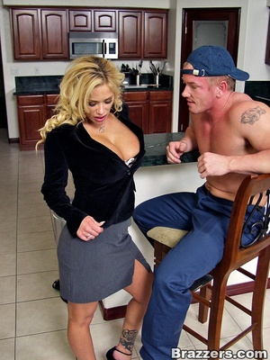 Office girls. Hot housewife Shyla Stylez - XXX Dessert - Picture 2