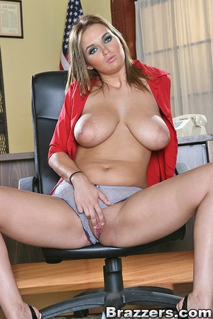 HD tits doll at work Jenna big
