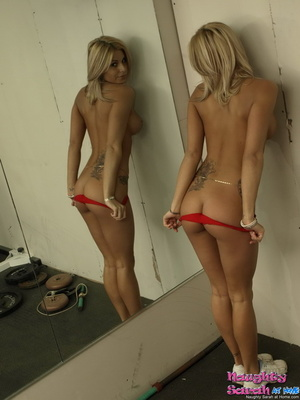 Blond xxx. Sarah is one horny little nas - XXX Dessert - Picture 9