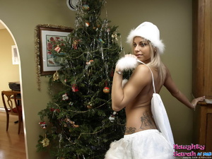 Blond xxx. In this video naughty Sarah i - XXX Dessert - Picture 6