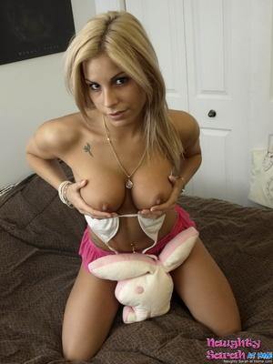 Hot blonde. Naughty Sarah like to push t - XXX Dessert - Picture 8