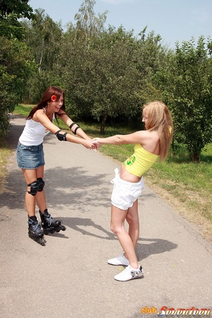 Teen porn girls. Willing teenies on skat - XXX Dessert - Picture 2