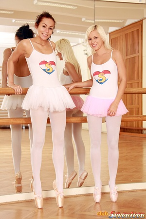 Girl on girl porn. Two lesbo ballerinas  - XXX Dessert - Picture 1