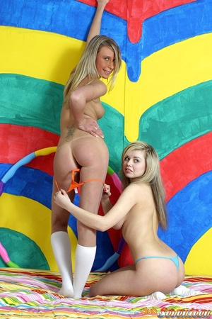 Teen porn. Two nasty teenagers playing d - XXX Dessert - Picture 9