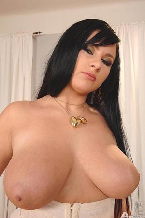 Girls with big boobs. New big boobs brun - XXX Dessert - Picture 5