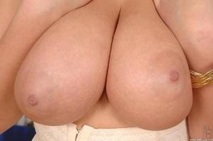 Girls with big boobs. New big boobs brun - XXX Dessert - Picture 11