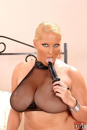 Big busty. Lesbian hot blondes Laura M L - XXX Dessert - Picture 6