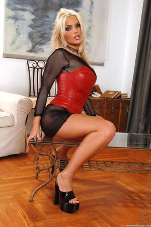 Big boobies porn. Busty Ines Cudna shows - XXX Dessert - Picture 2