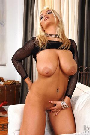 Big boobies porn. Busty Ines Cudna shows - XXX Dessert - Picture 12