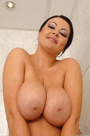 Big busty. Big tits babe Marille's boobs - XXX Dessert - Picture 3