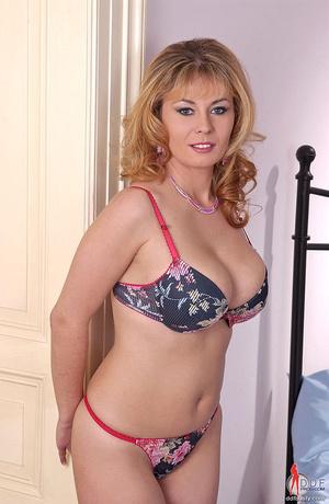 Big boobs. Blonde busty babe Constance D - XXX Dessert - Picture 1