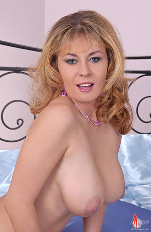 Big boobs. Blonde busty babe Constance D - XXX Dessert - Picture 7