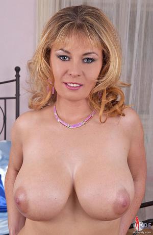 Big boobs. Blonde busty babe Constance D - XXX Dessert - Picture 9