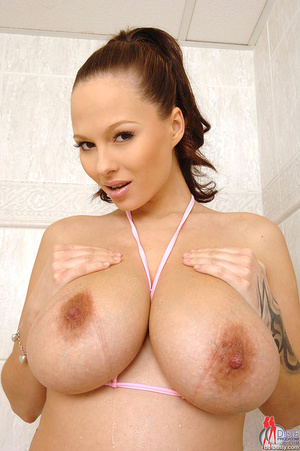 Busty beauties. Sweet Dominno poses her  - XXX Dessert - Picture 5
