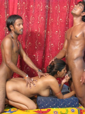 Xxx india. Indian slut gets in mouth and - XXX Dessert - Picture 13