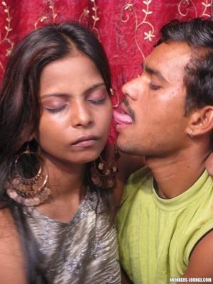 Indian nude girls. Hot teen sucking dick - XXX Dessert - Picture 4