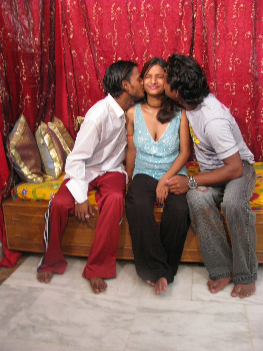 India porn star. Indian babe and her 2 b - XXX Dessert - Picture 4 ...