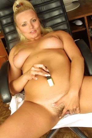 Hairy. Stacked blonde unleashes her boun - XXX Dessert - Picture 14