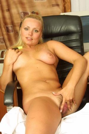 Hairy. Stacked blonde unleashes her boun - XXX Dessert - Picture 16