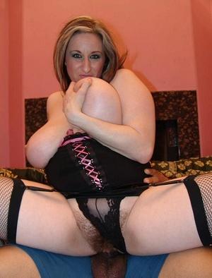 Horny hairy. Stacked blonde Kitty unleas - XXX Dessert - Picture 16