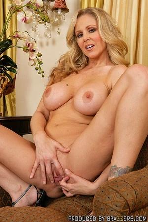 Hot milf sex. Julia Ann fucking another  - XXX Dessert - Picture 3