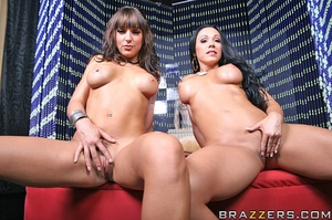 Beautiful milf. Cherokee and Lily pick u - XXX Dessert - Picture 3